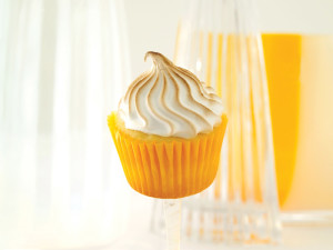 CUPCAKE-LEMON-MERINGUE